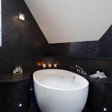 black-small-tiles-for-bathroom